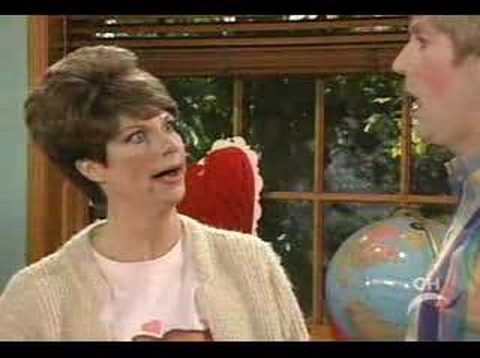 Mad Tv- Stewart Makes A Valentine