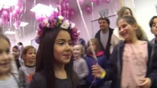 יולי הבת של מיכל הקטנה - חוגגת יום הולדת 8 מהאגדות