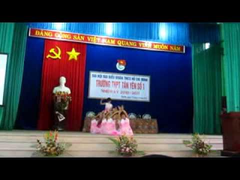 Tiết mục văn nghệ trường THPT Tân Yên số 1 chào mừng Đại hội Đoàn trường