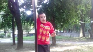Видео урок , как залазить по трубе!)