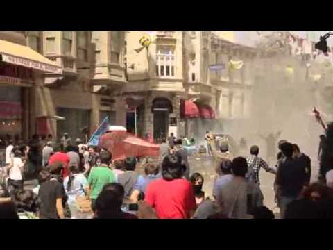 Taksim Gezi Park   Interviews with Turkish Demonstrators   Pepper Gas Attacks on Istiklal Street
