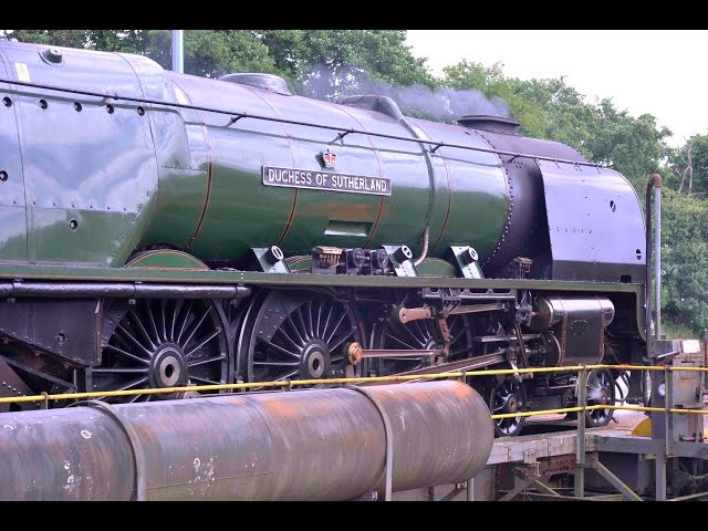 46233 DUCHESS OF SUTHERLAND IS TURNED ON ST BLAZEY TURNTABLE - A VERY TIGHT FIT! - 7th August 2016