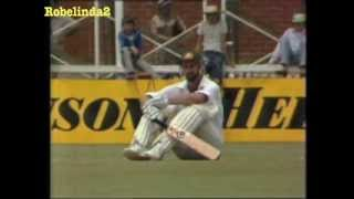 Repeat youtube video Imran Khan fights with Dennis Lillee 1981 Perth