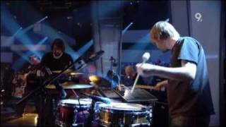 Portishead - We Carry On (Live Jools Holland 2008)