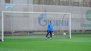 Тренировка в Удельном парке: вратарь Краневиттер, контроль мяча и другие упражнения