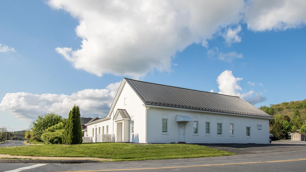 White Church With Black Metal Roof A B Martin 4k