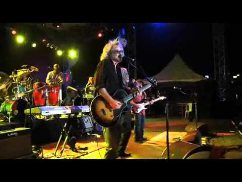 Daryl Hall & Billy Ocean - Caribean Queen.flv