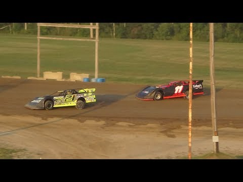 Late Model Heat Race #1 at Crystal Motor Speedway, Michigan, on 08-11-2018!