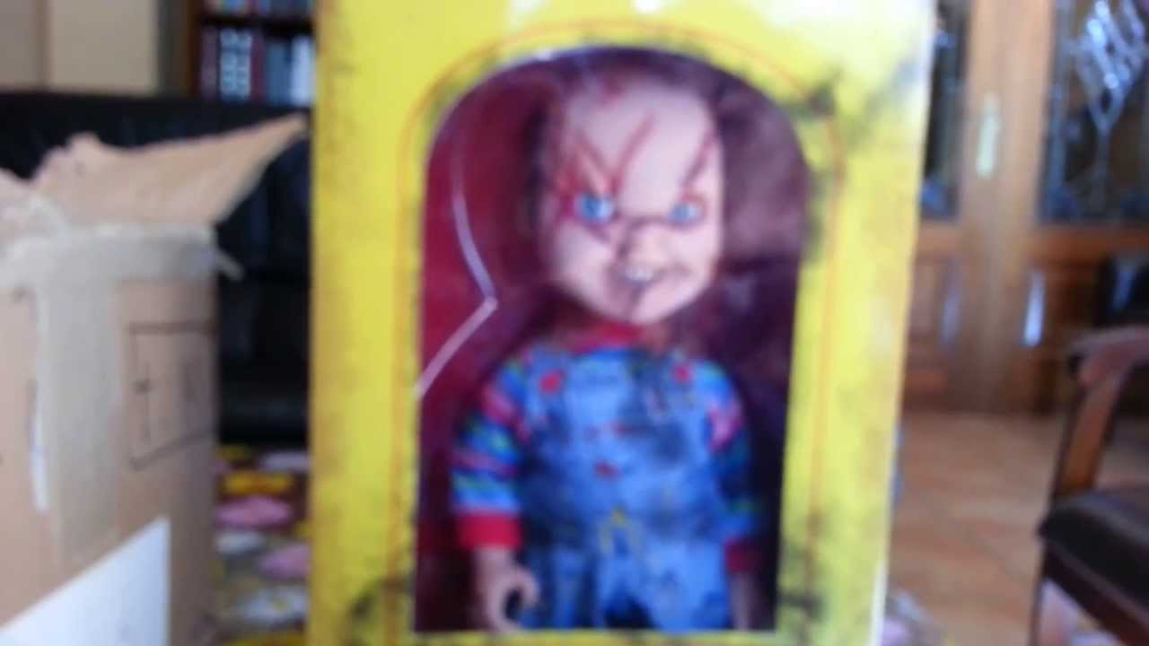 Unboxing Chucky Replica Doll By Mezco - YouTube