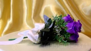 Свадебный букет-дублёр из фиолетовых роз с лентой цвета айвори №31