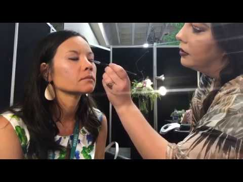 Savvy Minerals Natural Makeup Tutorial - Young Living Convention 2017