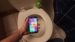 Samsung Galaxy S5 Water Test in Toilet | S5 Flushed in Toilet