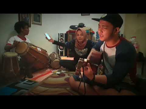 Sakur Ngimpi - Alm.H.Darso  Cover : Ganni & Kintaan Mary  Kendang : Mang Bebey