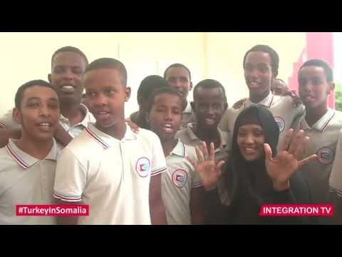 INTEGRATION TV: MOGADISHU STUDENTS SING SOMALI NATIONAL ANTHEM