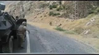 Teröristlerin Yol Kontrolü Yapan Askerlerimize Saldırı Anı