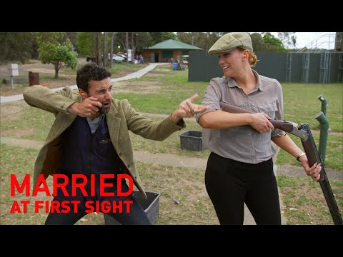 Jules fumes after Cam beats her in game of shooting | MAFS 2019