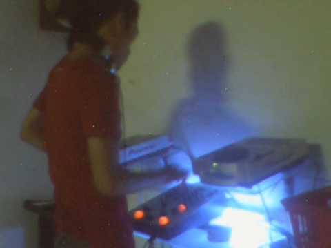 DJ Mr Del on the mix CDJ 100S vs 626BHG