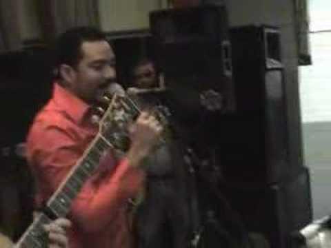 Frank Reyes - Viviendo En Soledad En Vivo