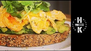 How to make perfect scrambled eggs with smashed lime Avocado on toast
