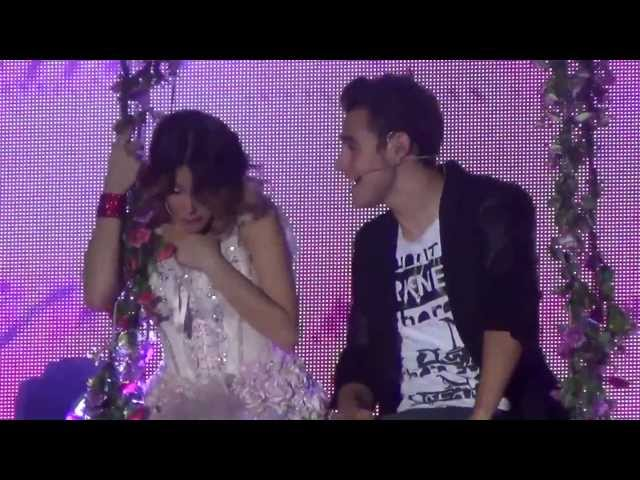 Violetta & Leon - Podemos (Live @ Palapartenope - Napoli) FULL HD - 23/01/2014 Travel Video