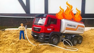 Бензовоз Bruder загорелся Пожарная машина приехала на помощь
