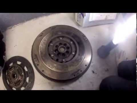 2005 Nissan Xterra 4 0l 4x4 Clutch Replacement Youtube