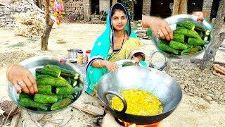 INDIAN DAILY LUNCH ROUTINE || VILLAGE STYLE KARELE KA BHARWA RECIPE IN HINDI || KITCHEN ROUTINE