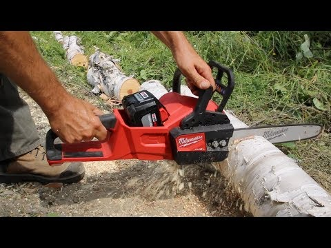 Milwaukee Chainsaw in ACTION