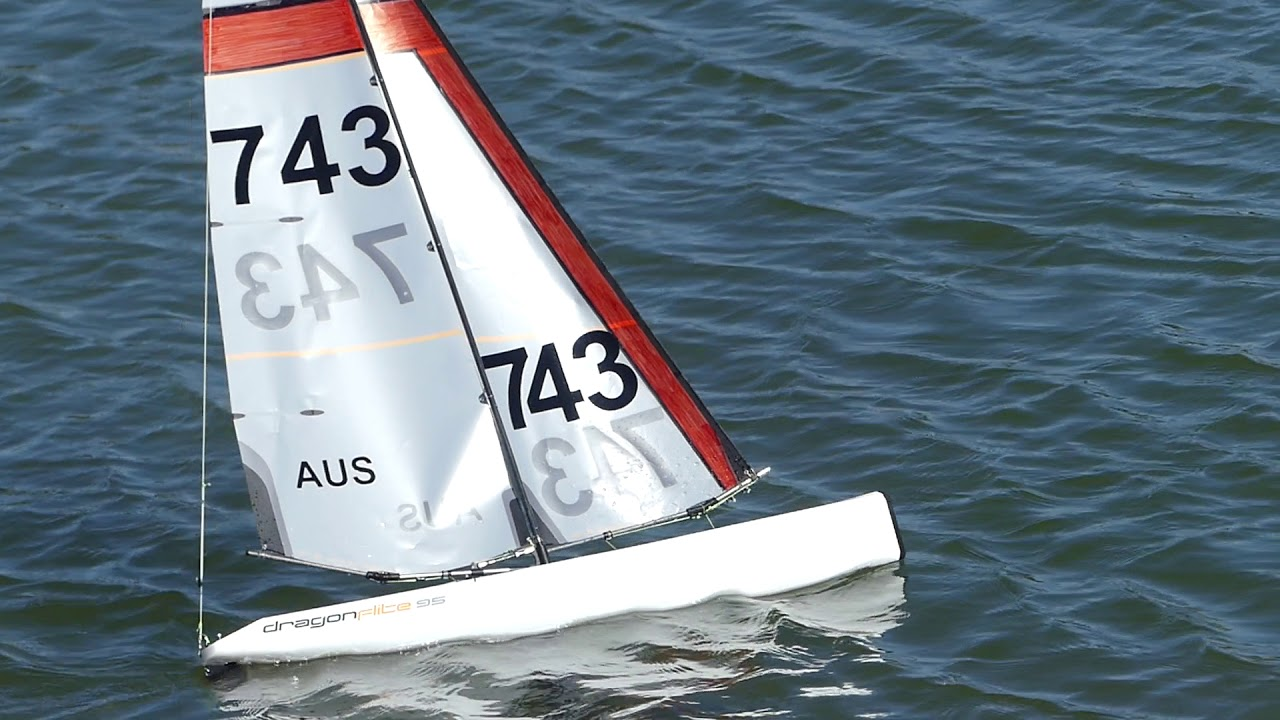 DF95 RC yacht racing