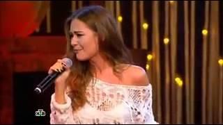 девушка красиво поет песню 'вахтеры' 240