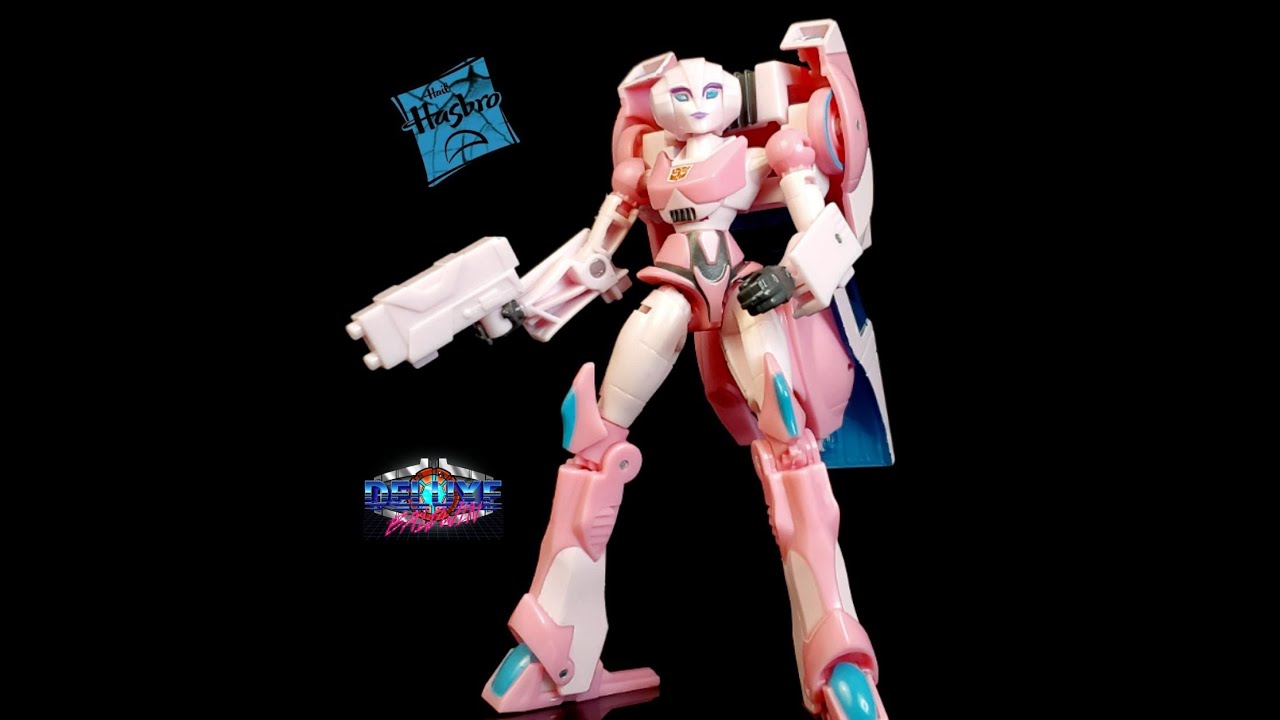 Transformers Adventures Cyberverse Arcee Review by Deluxe Baldwin