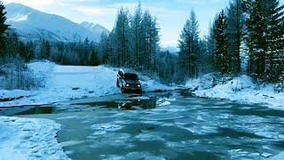 Из Иркутска в Бодайбо. Mitsubishi Pajero проходит ручей