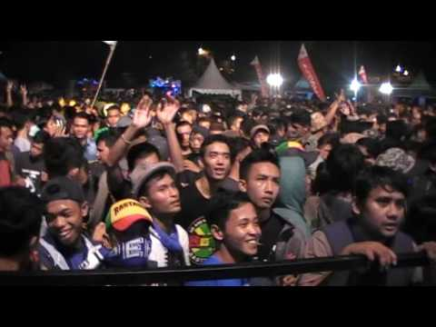 OVER5345 BONGKAR 2 Di acara launching honda new sonik