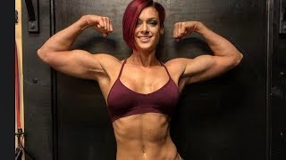 41 years young Fitness woman Sarah Mankiewicz