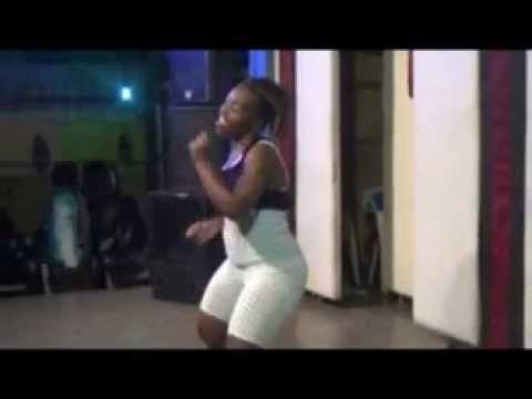 RWANDA | KARAOKE DANCE IN KIGALI