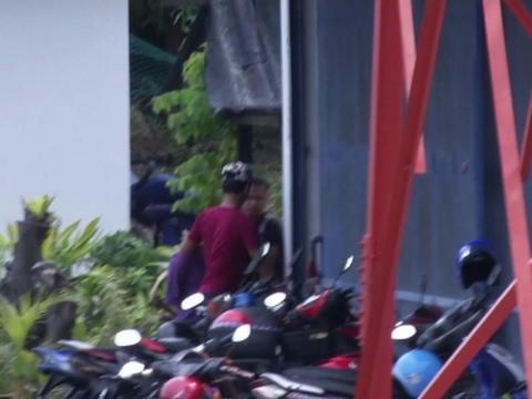 Raw: N Korean Suspect Arrives At Police Station