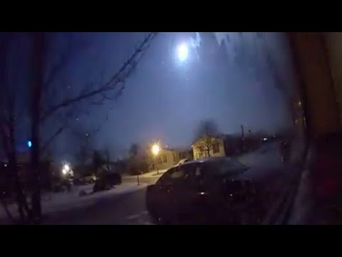 Meteor flashes across the sky in Michigan