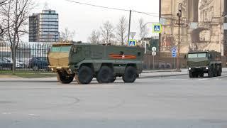 2018-04-30 - Колонна военной техники идёт в центр Санкт-Петербурга