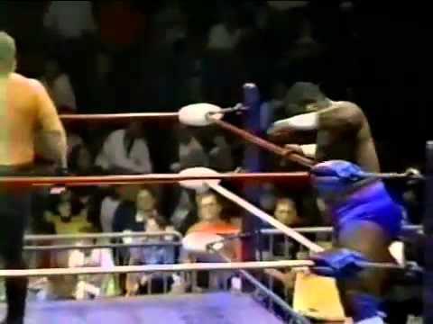 The Motor City Madman & The Big Cat vs Vinnie Gilliam & Tim Hughes