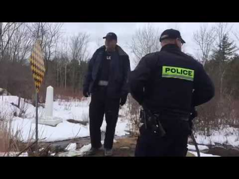 Video: Asylum seekers make a run for the Canadian border