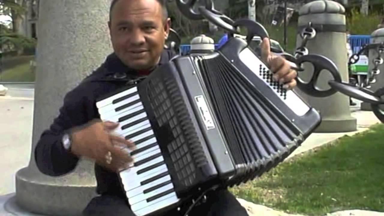 """Уличные музыканты. """"Аккордеон - виртуоз"""" - Мадрид - street music"""