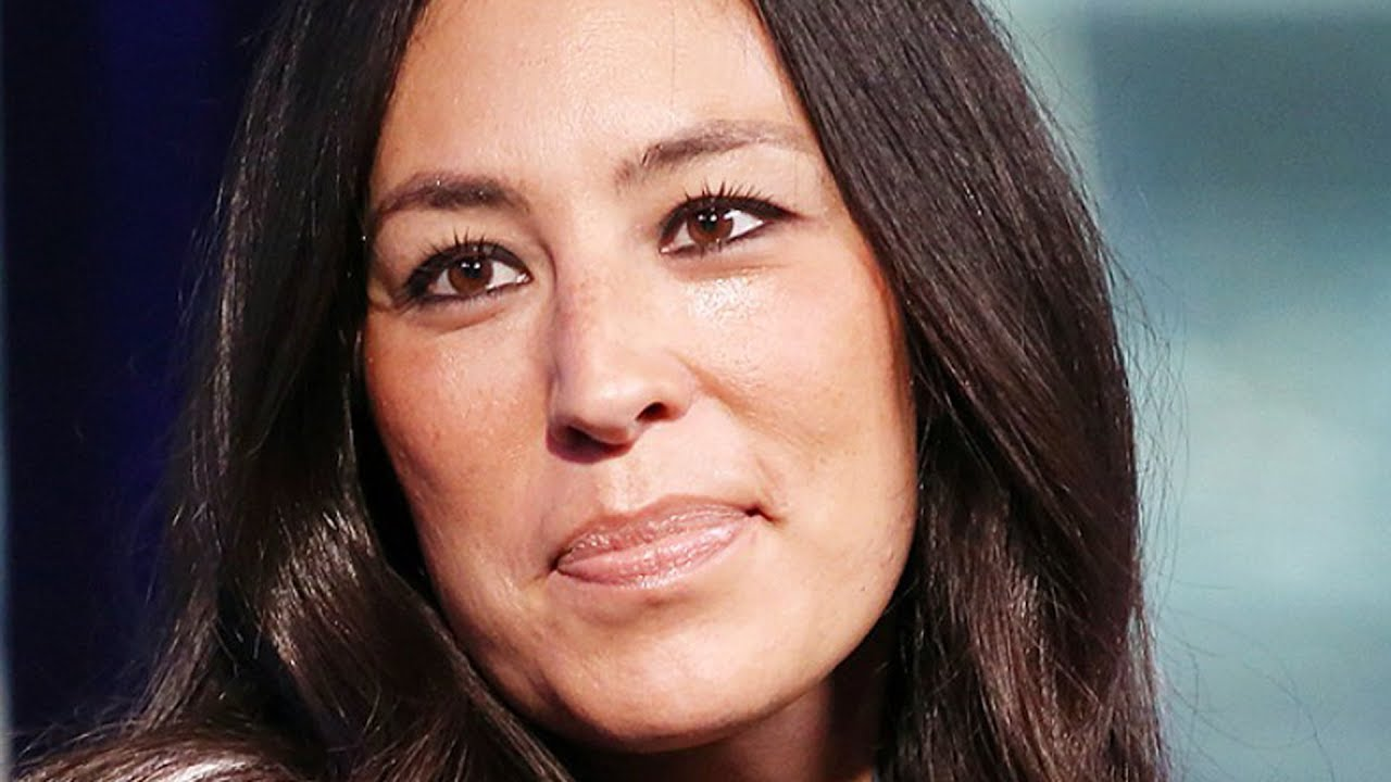 the real reason why chip and joanna gaines quit fixer upper youtube. Black Bedroom Furniture Sets. Home Design Ideas