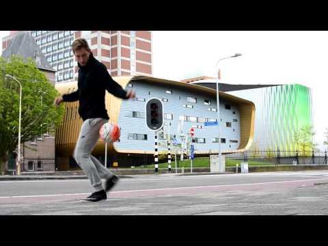KNVB Straatvoetbal | Wie is Tom V?