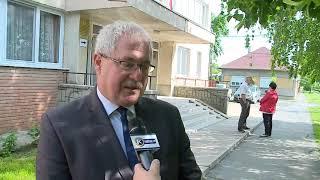 Dr.  Fazekas Sándor szavaz