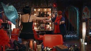 девка танцует стриптиз - отец и мама их реакция | семейные | На троих |  Дизель Студио  семейные