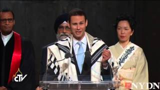 Cantor Ari Schwartz sings Jewish prayer of fallen