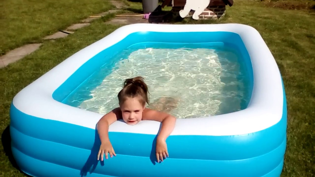 Купаюсь в новом бассейне