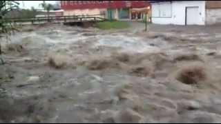 Se desborda Río Huáscato e inunda Pénjamo