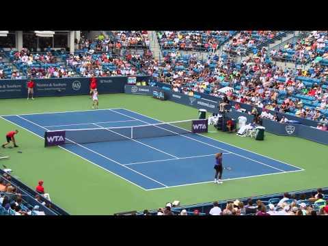 2014.08.15 - Western & Southern Open: Serena Williams vs Caroline Wozniacki 002
