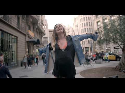 Смотреть клип Axel Muñíz - Siempre Tú Feat. Alexandra Stan